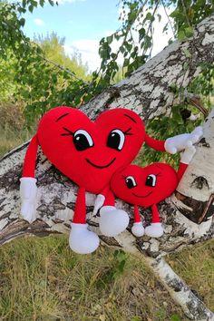 CROCHET HUGGING HEART pattern - Big plush heart with hands, eyes & legs - Amigurumi Stuff Cuddle Heart - Valentine's day gift