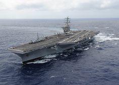 USS+Nimitz++transits+the+Pacific+Ocean.