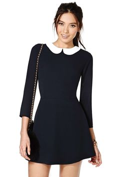 Classic peter pan collar- black and white! Cute.