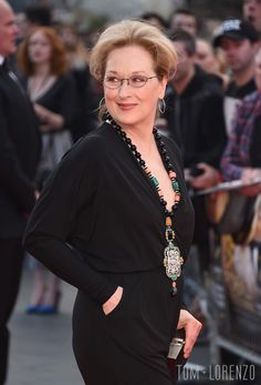 Meryl-Streep-Hugh-Grant-Florence-Foster-Jenkins-UK-Movie-Premiere-Red-Carpet-Fashion-Tom-Lorenzo-Site (6)