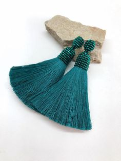 Green earrings. Green tassel earrings. Tassel earrings.