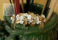 peineta realizada por encargo para novia en varios tonos de dorado, champagne, blanco perla y mate