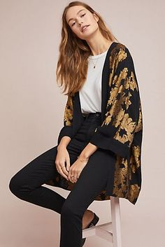 Opulent Kimono Jacket, presented by Anthropologie. Made with vintage-inspired laces and trims, each silhouette is crafted from natural fabrics and influenced by traditional textiles from all over the world. Fashion Mode, Look Fashion, Womens Fashion, Fashion Trends, Japan Fashion, Sporty Fashion, Ski Fashion, Winter Fashion, Mode Kimono