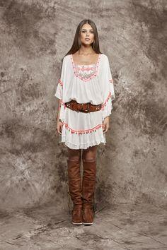 Vestido blanco con borlas en color coral - 110,00€ : Zaitegui - Moda y ropa de marca para señora en Encartaciones