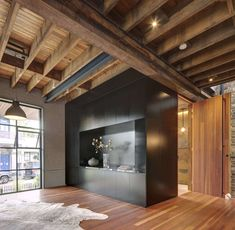 Find out how award-winning Carter Williamson Architects transformed an old timber factory into a modern, minimalist home with sleek, industrial design elements. Industrial House, Industrial Chic, Arch Interior, Interior Design, Architects Sydney, Wooden Beams Ceiling, Timber Door, Ground Floor Plan, Timber Flooring