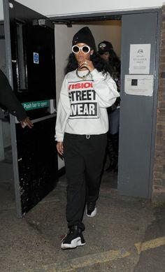 Love Rihanna's hip hop style.