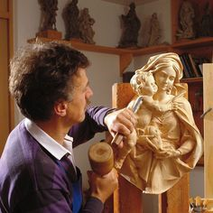 vk.com/... The Ordinary, Clever, Wood Carving, Image, Wood Sculpture, Wood Carvings, Woodcarving, Wood Turning, Carving Wood