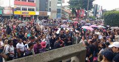 Manifestação dos professores tem apoio da população http://blogdoronaldocesar.blogspot.com.br/2017/06/manifestacao-dos-professores-tem-apoio.html              CURTIU? COMPARTILHE
