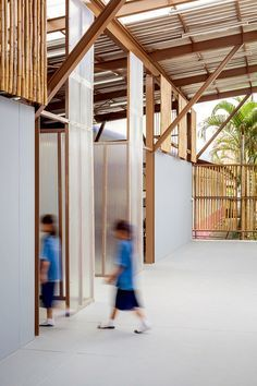 An earthquake-damaged school in Thailand has been replaced with stilted classrooms.