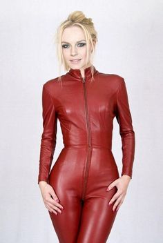 Leather Pants Outfit, Leather Jumpsuit, Leather Dresses, Mode Latex, Looks Pinterest, Sexy Outfits, Fashion Outfits, Leder Outfits, Mädchen In Bikinis