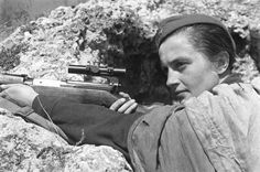 Meet the world's deadliest female sniper who terrorized Hitler's Nazi army - Business Insider