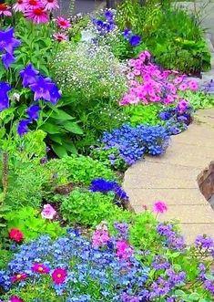 5 Capable ideas: Rustic Backyard Garden Ponds backyard garden on a budget cinder blocks.Backyard Garden Layout Shape small backyard garden back yards.Small Backyard Garden Tips. Garden Paths, Garden Landscaping, Landscaping Ideas, Border Garden, Terrace Garden, Garden Beds, Garden Art, Beautiful Gardens, Beautiful Flowers