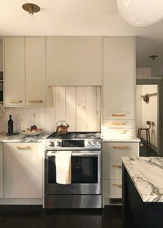 Ikea kitchen upgrade: a cost-conscious modern country kitchen with Semihandmade cabinet fronts CABINET PULLS Kitchen Ikea, Kitchen Shelves, Rustic Kitchen, Kitchen Interior, Kitchen Design, Kitchen Decor, Ikea Kitchens, Kitchen Pantry, Vintage Kitchen