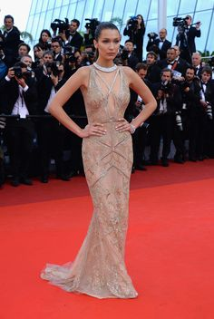 Bella Hadid in Roberto Cavalli Couture beim Filmfest in Cannes
