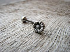 Daisy belly button ring