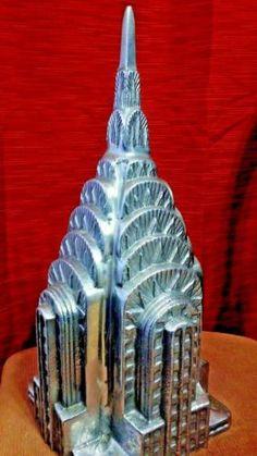 LARGE-HEAVY-Chrysler-Top-half-souvenir-building-architecture-replica-model