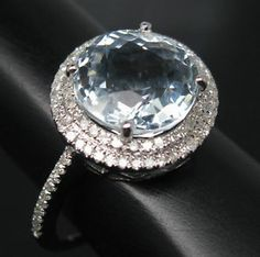 this would be perfect if it had a double band...and maybe even a bigger gemstone because why not?