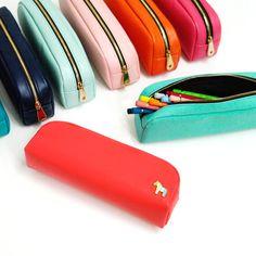 Donbook Pony handmade pencil case pen pouch D (http://www.fallindesign.com/donbook-pony-handmade-pencil-case-pen-pouch-d/)