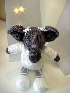 Ravelry: Project Gallery for patterns from Little Cotton Rabbits Knitted Stuffed Animals, Knit Animals, Knitted Bunnies, Knitting For Kids, Knitting Ideas, Lace Knitting, Knit Crochet, Pet Toys, Kids Toys
