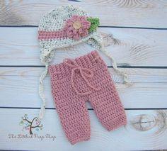 Newborn photo prop-crochet baby pants-crochet baby hat-knit baby pants-knit baby hat-flower hat-baby girl