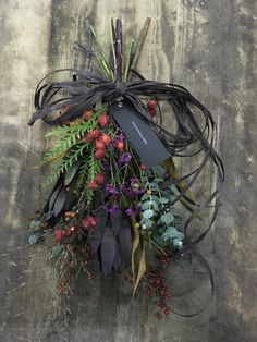 Flower Boquet, Bouquet Wrap, Wreaths And Garlands, Mesh Wreaths, Ikebana Flower Arrangement, Flower Arrangements, Christmas Wreaths, Christmas Decorations, Recycled Garden