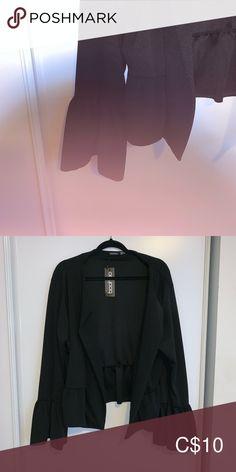 Black blazer Black blazer with flare sleeves Boohoo Plus Jackets & Coats Blazers Blazer Suit, Suit Jacket, Black Blazers, Colored Blazer, Boohoo, Flare, Jackets For Women, Ruffle Blouse, Coats
