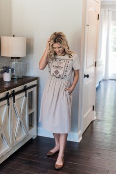 """Bates Sisters Boutique – """"Three sisters joining together to provide feminine and stylish apparel at a reasonable price"""" Modest Fashion, Boho Fashion, Fashion Dresses, Fashion Tips, Fashion Styles, Fashion Ideas, Boho Dress, Dress Skirt, Dress Lace"""