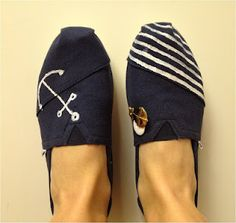 b860fa0bd83 16 Best Hand Painted Toms images