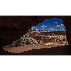 """Hoodoos in the #shoes Reportage naturalistico lungo il """"West"""". Terra di frontiera, territorio unico per catturare scenografie naturali da lasciare senza fiato. Non vi è alcun altro #paesaggio del pianeta capace di competere in #bellezza, in immensità degli spazi e profondità del cielo.  U.S.A.,#Utah, Bryce Canyon. 01/08/2014 #brycecanyon #canyon #national #park #nature #America #photo"""