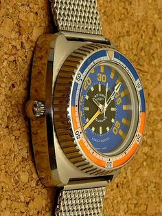 Vintage Dive Watches, Big Watches, Rolex Watches, Watches For Men, Seiko Mod, Unusual Watches, Gold Watch, Omega Watch, Bracelet Watch