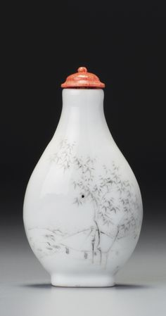 AN INSCRIBED PORCELAIN 'BAMBOO PAVILION' SNUFF BOTTLE<br>ZHOU HONGLAI, 1897 | lot | Sotheby's