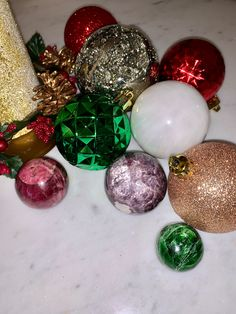 """Happy Holidays everyone! Fun crystal ball trivia time! How many crystals can you name in this photo? 🤩💎🔮🎄Search """"sphere"""" at crystalrockstar.com for clues and don't forget to visit the holiday sale! Use code: GIFTSOFLOVE for 20% off 🎁 Crystal Sphere, Crystal Cluster, Crystal Ball, Chakra Crystals, Chakra Stones, Holiday Sales, Holiday Decor, Sacred Geometry Art, Crystal Decor"""