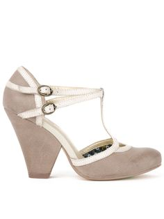 so cute. love the double strap on these. Seychelles Footwear