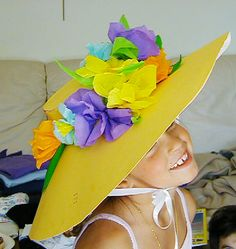 Idees per disfressar els petits de casa Paper Plate Crafts For Kids, Holiday Crafts For Kids, Diy Crafts For Kids, Crazy Hat Day, Crazy Hats, Diy Tufted Headboard, Silly Hats, Book Week Costume, Tea Party Hats
