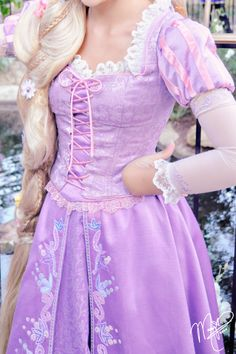 Fact 5 my favorite Disney characters are Rapunzel and Piglet! Disney Cosplay, Rapunzel Cosplay, Rapunzel Dress, Disney Rapunzel, Tangled Rapunzel, Princess Rapunzel, Disney Costumes, Cosplay Costumes, Tangled Dress