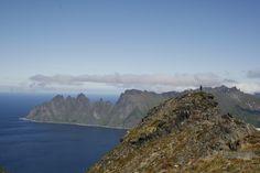 tripmii - Midnightsun in Northern Norway - Husfjellet – Jonathan auf dem eigentlichen Gipfel - warn aber nur ein paar Meter mehr