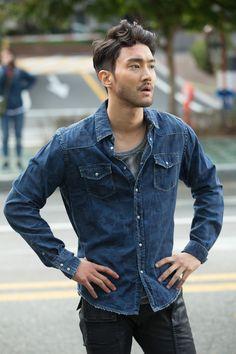 Choi Siwon | Men of 'Dramaworld'