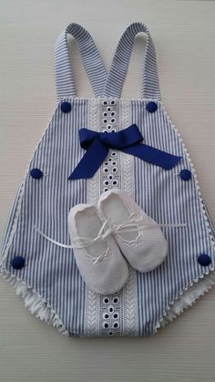 Crochet baby boy romper outfit ideas Crochet baby boy romper outfit ideas Knitting works include the time when ladies spend their leisure time, when sele. Baby Romper Pattern, Baby Dress Patterns, Baby Boy Romper, Outfits Niños, Baby Boy Outfits, Kids Outfits, Sewing Baby Clothes, Baby Sewing, Baby Girl Fashion