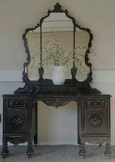 Vanity via Twist My Armoire