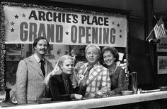 FAMILY episode 'Archie's Grand Opening' featuring Rob Reiner as Michael Stivic Sally Struthers as Gloria BunkerStivic Carroll O'Connor as Archie. Archie Bunkers Place, Jean Stapleton, Sally Struthers, Carroll O'connor, Norman Lear, Penny Marshall, Loud Laugh, Donny Osmond, All In The Family