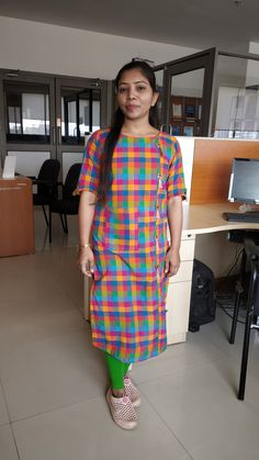 Latest Salwar Kameez Designs, Kurta Designs Women, Blouse Designs, Stylish Dress Designs, Stylish Dresses, Cotton Anarkali Dress, Salwar Kameez Simple, Printed Kurti Designs, Churidhar Designs