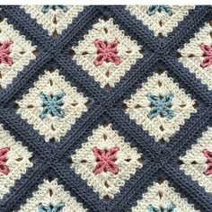 . . . . . . #sunum#sahibi#creditby#patternby@alegria73#crochetblanket…