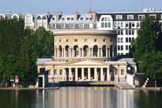 La rotonde de Ledoux, bassin de La Villette, Paris XIX