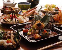 kaiseki par saison. Japanese Sweets, Japanese Food, Japanese Tea Ceremony, Fabulous Foods, Asian Recipes, Sushi, Nom Nom, Cooking Recipes, Nihon