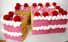 crochet cake..magnets would be nice to add so you can 'cut' it