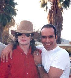 Daddy - Michael Jackson foto (23850268) - Fanpop Mike Jackson, Jackson Family, Michael Jackson Images, Michael Jackson Bad Era, Chris Tucker, King Of Music, Marvin Gaye, Rare Pictures, Rare Photos