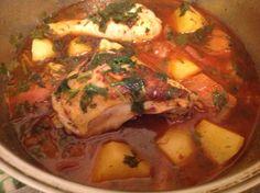 Guiso de Pollo :http://www.recetasjudias.com/guiso-de-pollo/