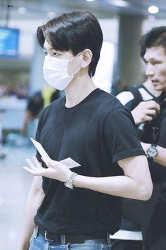 170806 HONG KONG TO INCHEON #BAEKHYUN #EXO