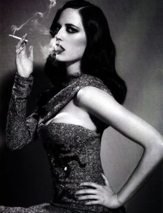 Eva Green by Ellen von Unwerth Ellen Von Unwerth, Eva Green, Green Girl, Women Smoking, Girl Smoking, Smoking Room, Smoking Kills, Poses, Pin Up