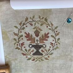 Lynn X Stitches Creates в Instagram: «A finish! This is Bittersweet Acorn by #blackbirddesigns It was a retreat exclusive at the retreat last weekend hosted by @craftgalleryoh I…»